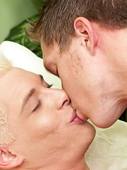 Blond twink gets his ass drilled bareback
