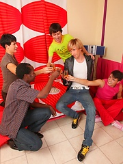 Delicious teen homos dip into each other\\\\\\\'s asses and mouths during a wild party