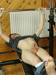 Steamy twinks screwing in the gym