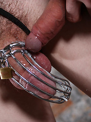 Aaron get his ass pounded by Ashton Bradley while hes caught in this steel trap