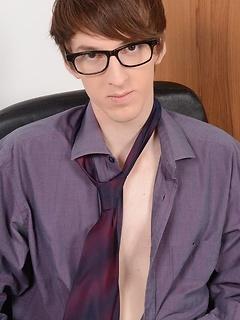 gay boy porn model Kurt Maddox